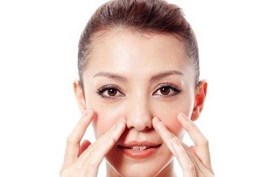 Cách làm mũi cao không phẫu thuật bằng Massage