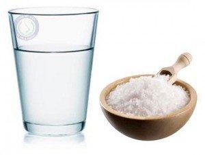 Cách chữa thâm quầng mắt với muối