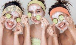 Cách chữa thâm quầng mắt với dưa leo