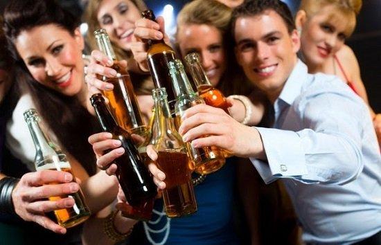 Kiêng uống rượu bia sau nâng mũi