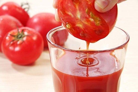 Chữa trị hôi nách bằng cà chua say nhuyễn