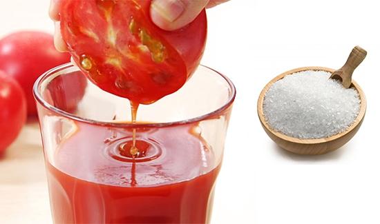 Cách chữa trị hôi nách với cà chua và muối