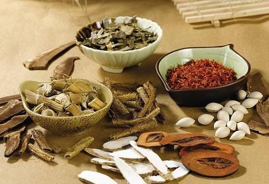 Cách chữa trị bệnh hôi nách bằng đông y với bài thuốc Đào Ẩn Cư