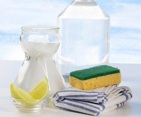 Cách giặt áo bám mùi hôi nách với giấm ăn