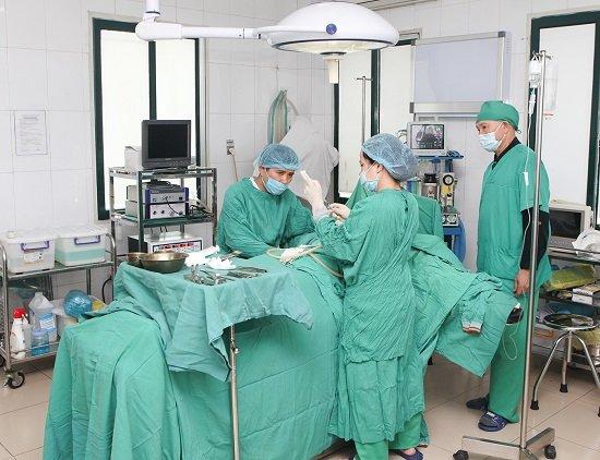Chuyên gia Hà Thanh tư vấn nâng ngực nội soi giữ được bao lâu