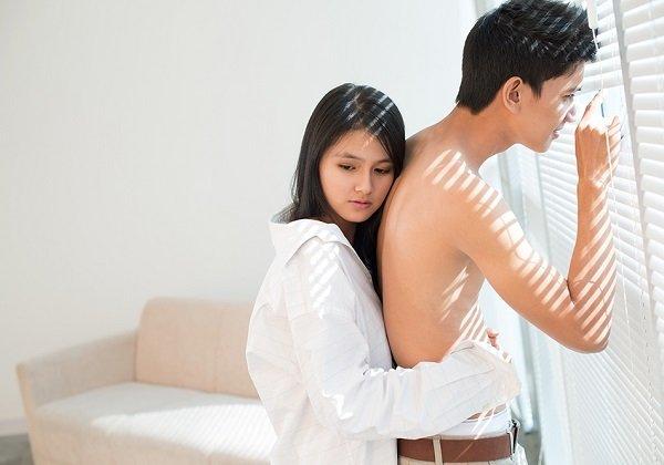 Đàn ông nghĩ gì về ngực phụ nữ lép