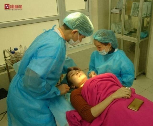 Sát trùng và gây tê tại chỗ trước khi phẫu thuật